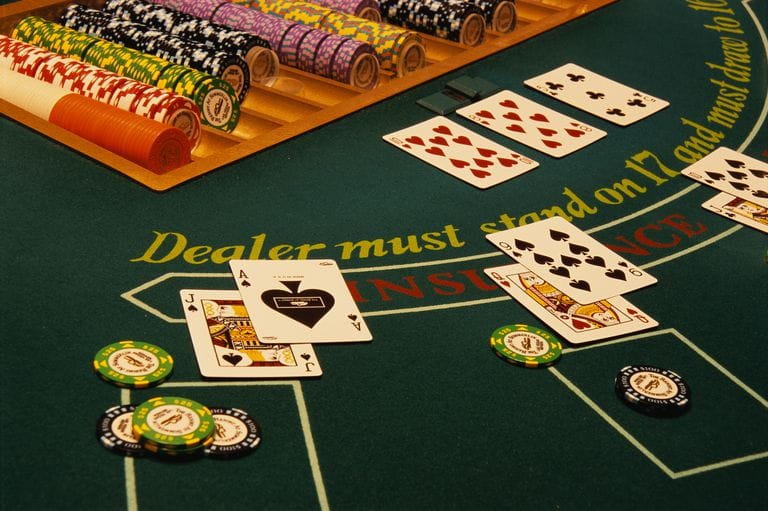 How to Play BlackJack in Land Based Casinos