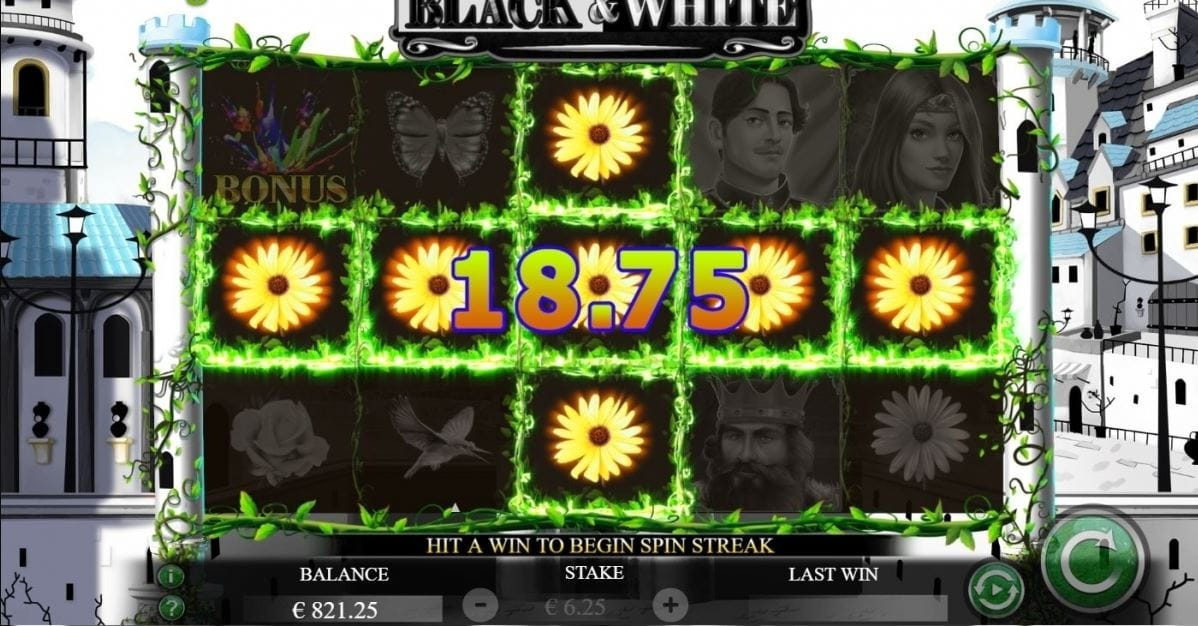 Black and White slots free