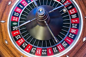 What's the best way to play roulette using betting strategies